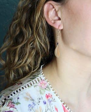 boucles d'oreilles pliage pétale chaîne saphir bleu